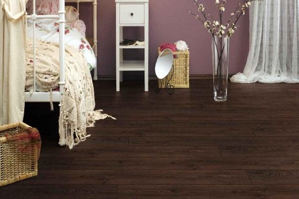 Những lý do nên chọn sàn nhựa dán keo vân gỗ cho gia đình